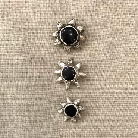 Metal Button Wild Sun, col. Silver/ Cobalt