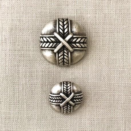 Metal Button Amulet, col. Silver