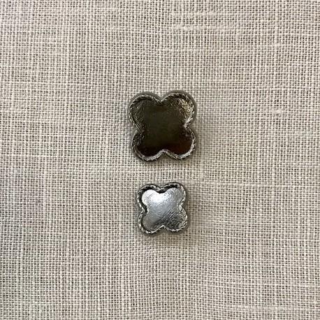 Metal Button Clover Rue de La Paix, col. Antic Silver