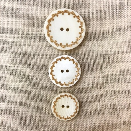 Engraved and Enamelled Mother of Pearl Button Josephine, Col. Golden / Natural