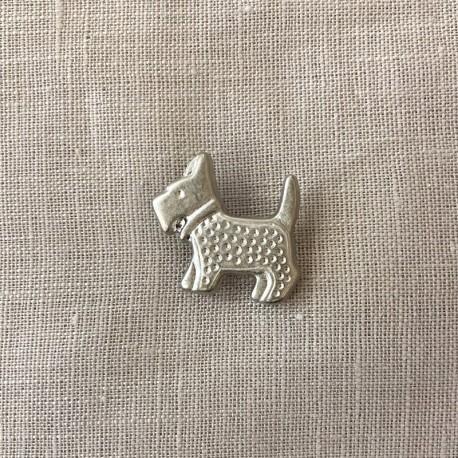 Scott The Dog Button, col. Light Silver