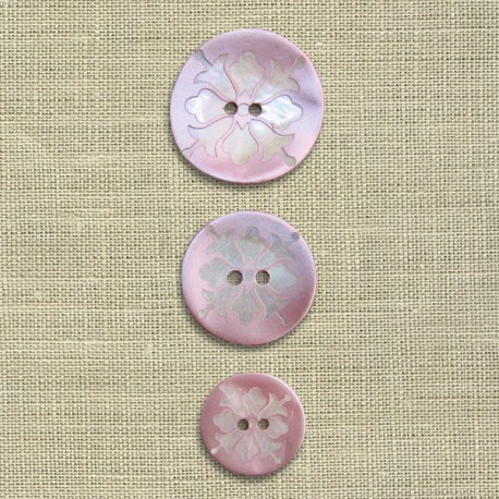 Engraved mother-of-pearl button Bellflower, col. Lovely