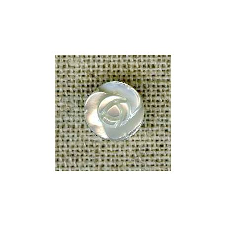 Rose mother-of-pearl button, col. Ivory