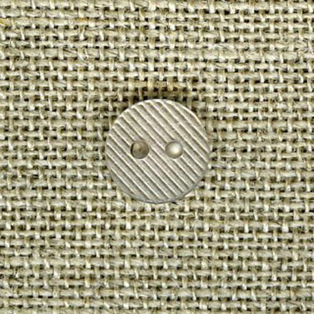 Streaked small button, Pearl