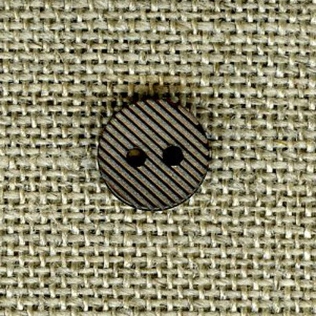Streaked small button, Chestnut spread