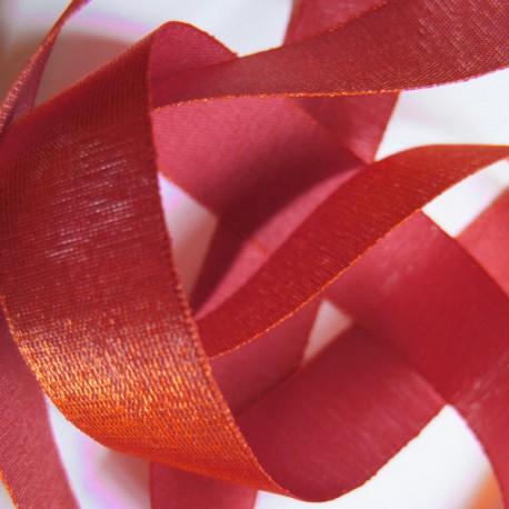 Iridescent taffeta ribbon, col. Morello 9