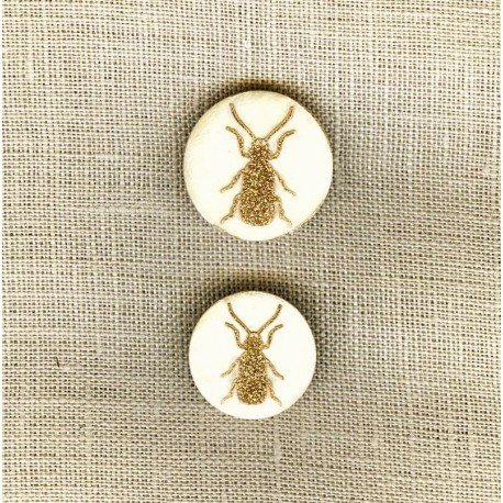 Engraved Mother of pearl button Ant, col. Glitter Or/ Natural