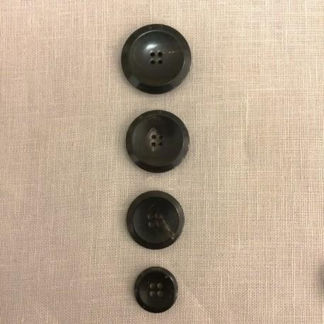 Blach Horn Suit Button Soucoupe