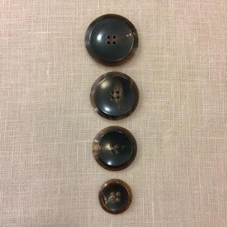 Brown Horn Suit Button Soucoupe