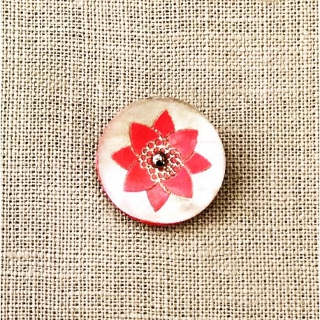 Engraved Mother of Pearl Button Fleur de Lotus, col. Pinky