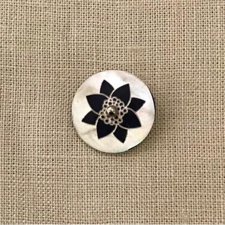 Engraved Mother of Pearl Button Fleur de Lotus, col. Black Night