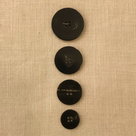 Black Suit Horn Button, Puck