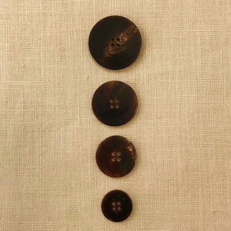 Brown Suit Horn Button, Puck