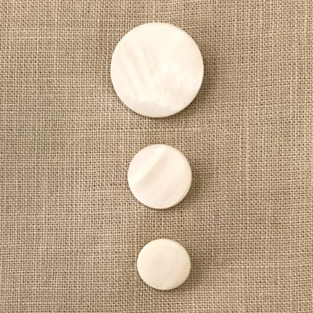 Mother of pearl Button Pawn