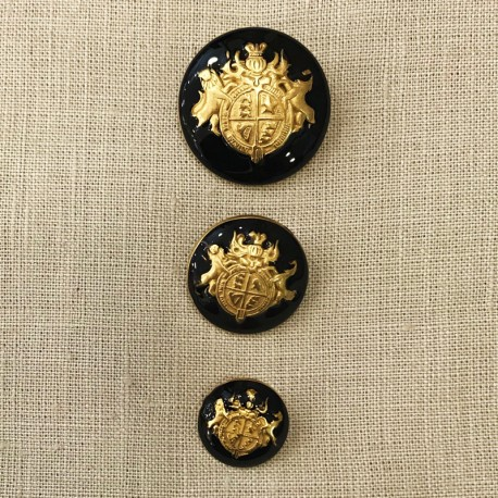 Metal Button Armoirie Lions Arms, col. Gold and Black Enamelled