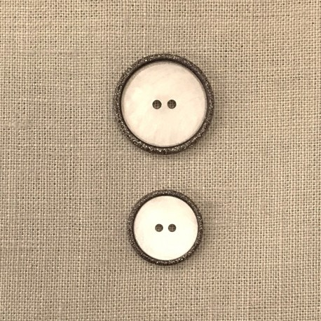 Enamelled White Mother of Pearl Button Rue Cambon, col. Glitter Carbon
